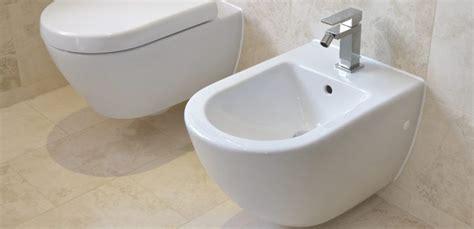 comment utiliser un bidet h 244 tel il utilise le bidet de sa salle de bain le