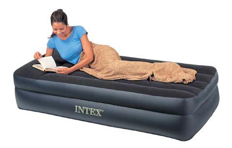 divani letto gonfiabili letti e materassi gonfiabili intex