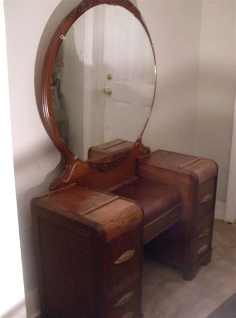 Dresser Vanity Mirror by 1940 S Vanity Dresser With Mirror Home Design Ideas