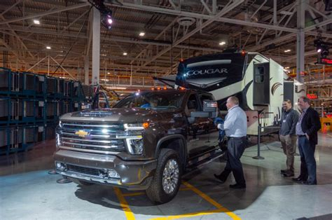 2020 Chevrolet Silverado 2500hd For Sale by 2020 Chevrolet Silverado Hd Debuts A Heavy Lugger Among