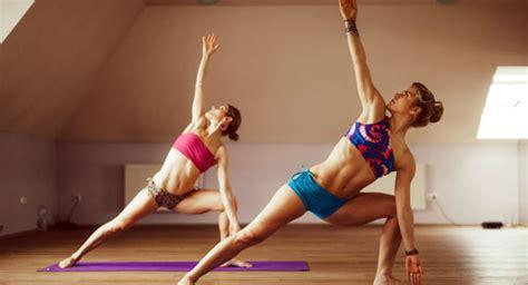 tutorial bikram yoga bikram yoga das hei 223 este yoga workout ajoure de