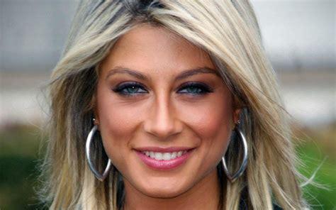 Calendario X Factor Maddalena Corvaglia 3 159262 Mondoreality
