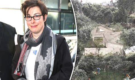 Slams The Elderly by Sue Perkins Slams Elderly Neighbours Plans To Build