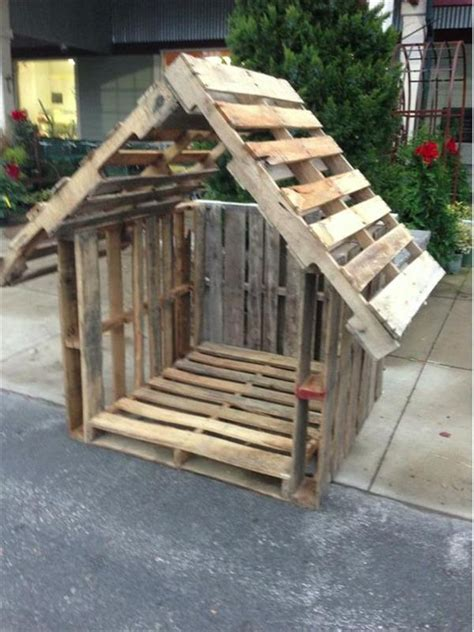 dog house with pallets stylish pallet dog houses designs recycled pallet ideas