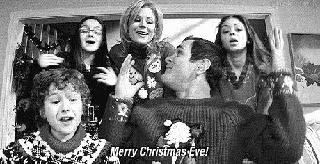 tv characters   love christmas modern family modern family haley morden family