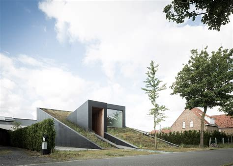 slope house modern house built on slope modern house