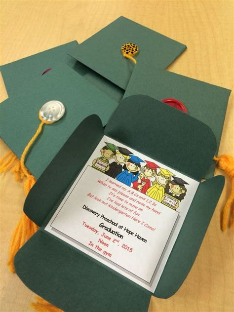 Diy Construction Paper Crafts - preschool graduation paper and yarns on