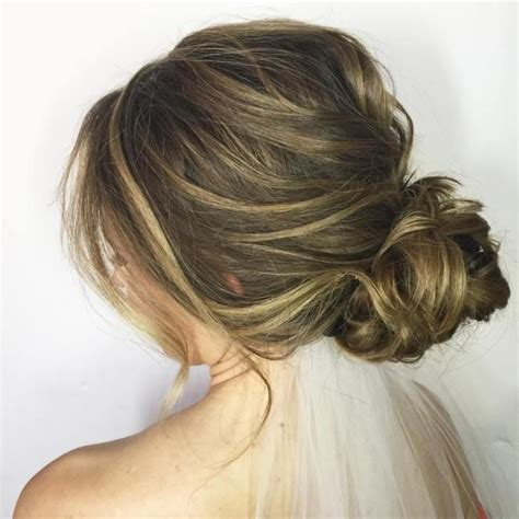 Messy Updo For Long Hair That Take 5 Minutes | 17 of 2017 s best low messy buns ideas on pinterest low