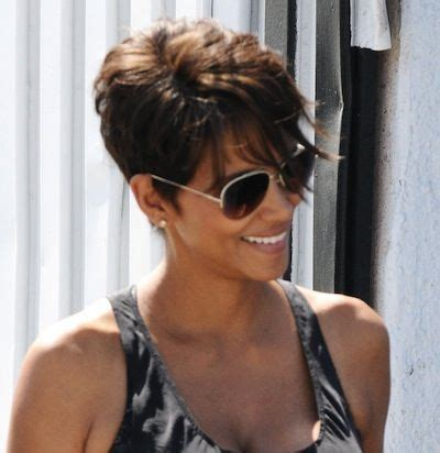 halle berry pixie side view halle berry s sassy short hairstyle sheknows celebsalon