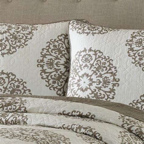 Medallion Quilt Set by Cottage Medallion Quilt Set From Beddingstyle