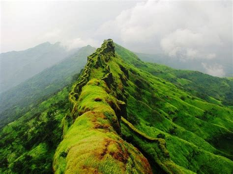 24 places to visit near pune within 100 kms