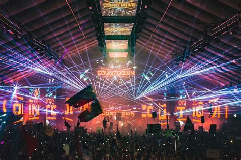 chicago new year countdown live relive live sets from insomniac s countdown nye 2015 edm