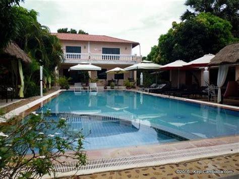 malibu bungalows kep malibu estates in kep cambodia malilbu bungalows hotel