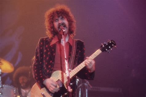 I Am A Lonely Soul Boston Lead Singer Says In Note by Mr Brad Delp J Ai Une Ame Solitaire I Am A By Brad Delp