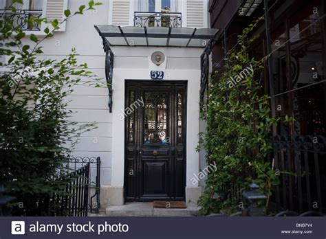 A Witty Entrance In A Parisian Apartment by Facade Apartment Building Front Door