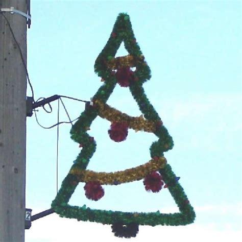 holiday pole mounts holiday de lites lighted yard
