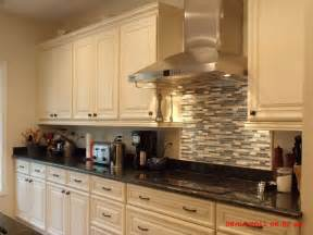 Cream Cabinet Kitchens by Galley Kitchen Cream Cabinets Kitchen Design Ideas