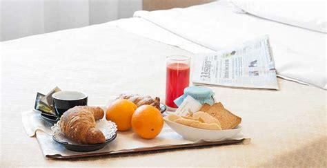 colazione al letto colazione a letto