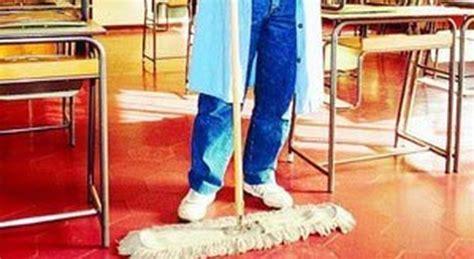 ufficio scolastico provinciale lecce scuole in sciopero gli addetti alle pulizie sit in all