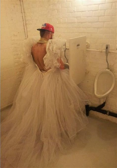 going to the bathroom too much how to go to the bathroom in a frilly white wedding dress gangsta groom wtf