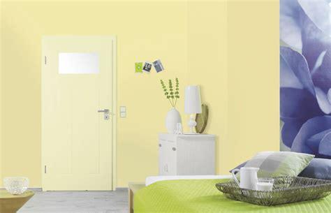helles grünes schlafzimmer einzelbett mit stauraum