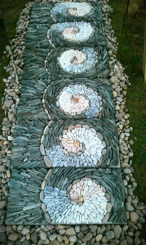 29 garden pathway pebble mosaic ideas for your home