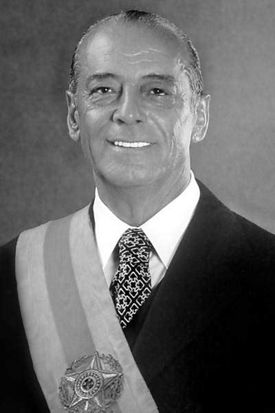 Fotos oficiais dos presidentes do Brasil - 18/05/2019