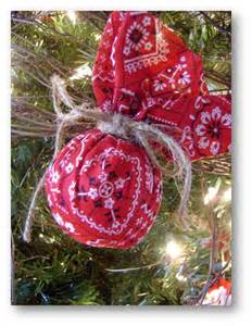 western christmas ornament use green bandanas for 4 h