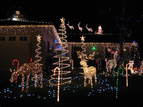 3 Of The Best Christmas Light Displays Bunch Best Lights Show