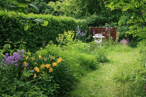 file wild garden3 jpg wikimedia commons