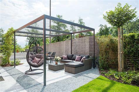 terrassengestaltung mit wasserbecken