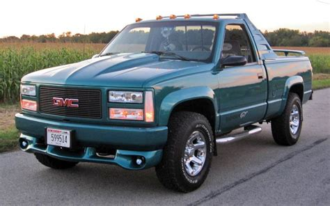 how do cars engines work 1993 gmc rally wagon 1500 engine control 1993 gmc sierra 2500 information and photos momentcar