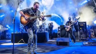 Dave Matthews Band Dave Matthews Talks Bernie Sanders New Album Rolling