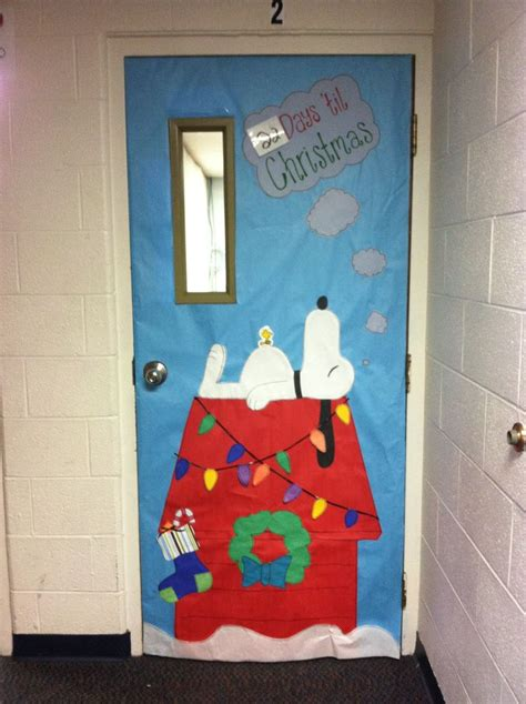 christmas doors in schools 67 best images about classroom doors on classroom door classrooms