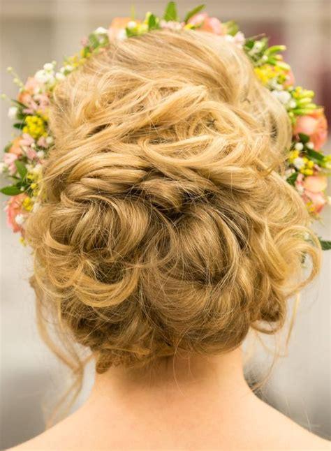Hochzeitsfrisur Blumenkranz by Hair Hagemann Brautfrisur Mit Blumenkranz