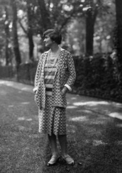 St Coco C Nel 316 best images about coco chanel on pearls