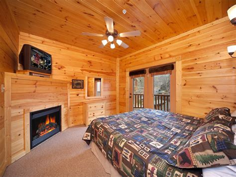 6 bedroom cabins in gatlinburg tn gatlinburg cabin eight is enough 8 bedroom sleeps 28