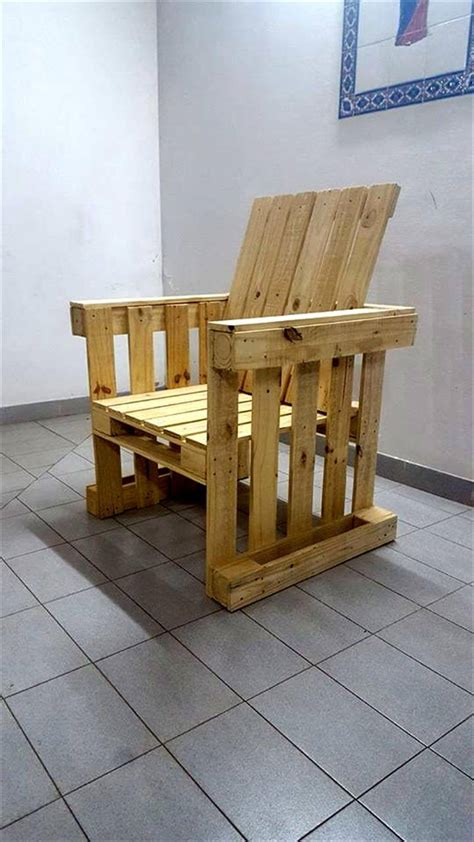 How To Build An Armchair by Diy Pallet Armchair Design 99 Pallets