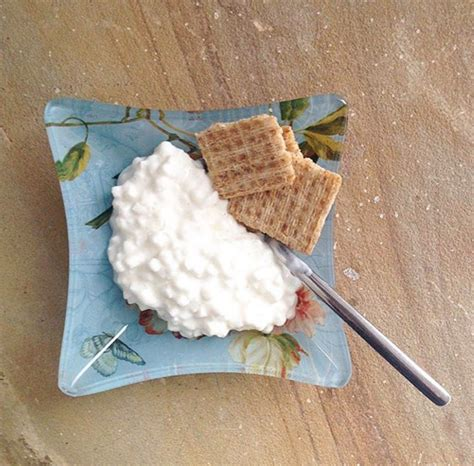 cottage cheese serving size 11 nutritionist approved late snacks