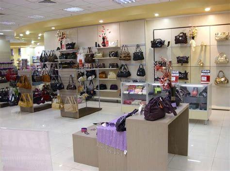 accessori arredamento negozi 04 arredamento negozi accessori abbigliamento pelletteria