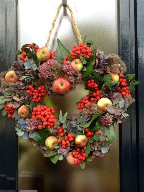 1000 images about wreath on pinterest moss wreath wreaths and apple wreath