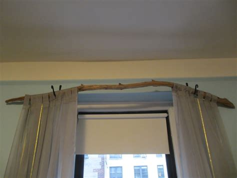 Tree branch curtain rod 15 diy tutorials guide patterns
