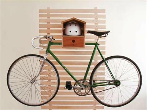 fahrrad wandhalterung holz das fahrrad zu hause richtig aufbewahren