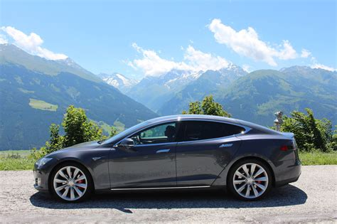 Tesla Driving Range Driving A Tesla 101 Real World Driving Range Silver Lining