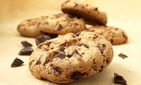 come cucinare i biscotti come preparare i biscotti con gocce di cioccolato
