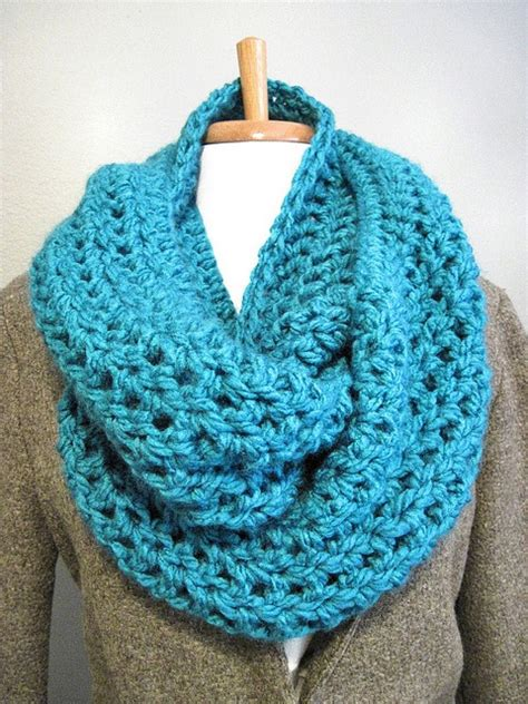 simple pattern infinity scarf simple dc cowl crocheted in the round crochet