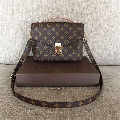 Lv Crossbody 25 best ideas about louis vuitton crossbody on