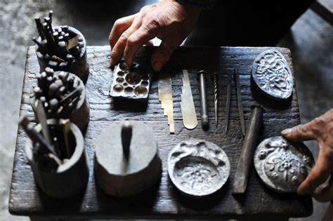 how to make a jewelry mold for silver five generations of ancient miao jewelry 3 chinadaily cn