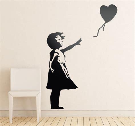 banksy m 228 dchen mit luftballon wandtattoo tenstickers - Banksy Wandtattoo