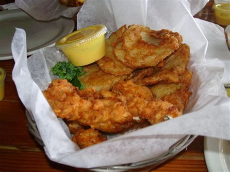 spanky s tastest chicken finger picture of spanky s pizza galley
